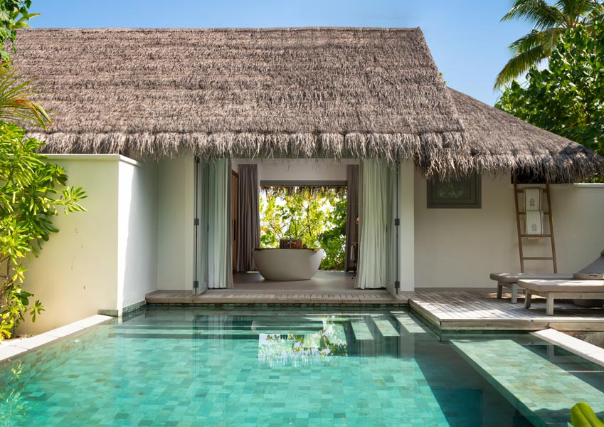 Vakkaru Maldives  Beach Pool Retreat with a private pool