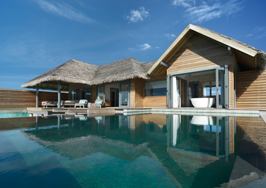 Vakkaru Maldives Over Water Pool Retreat