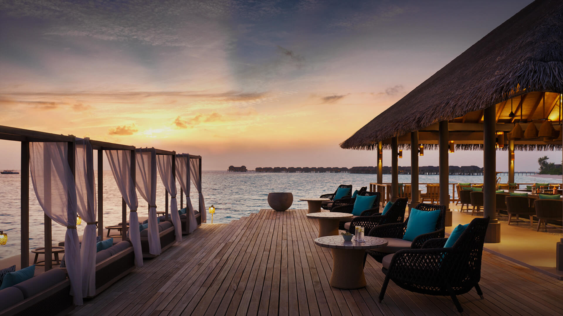 Vakkaru Maldives Lagoon Bar Sunset View