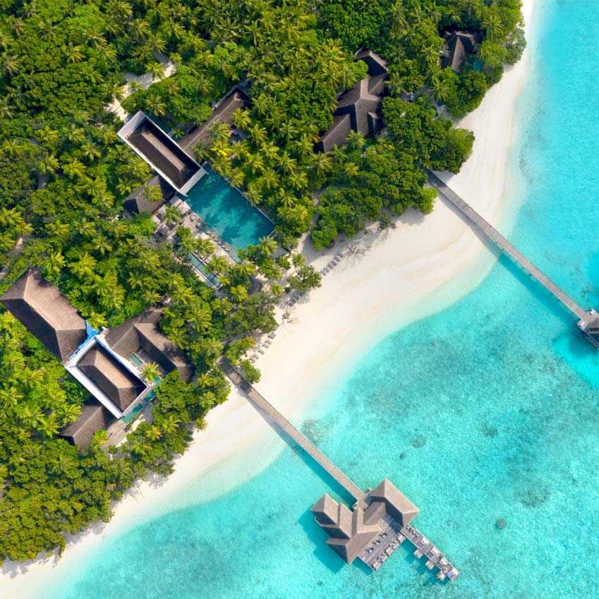 Vakkaru Maldives main pool