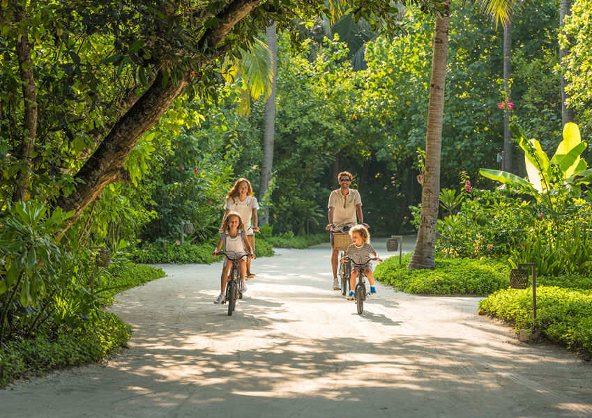 Vakkaru Resort Maldives - Family Affair