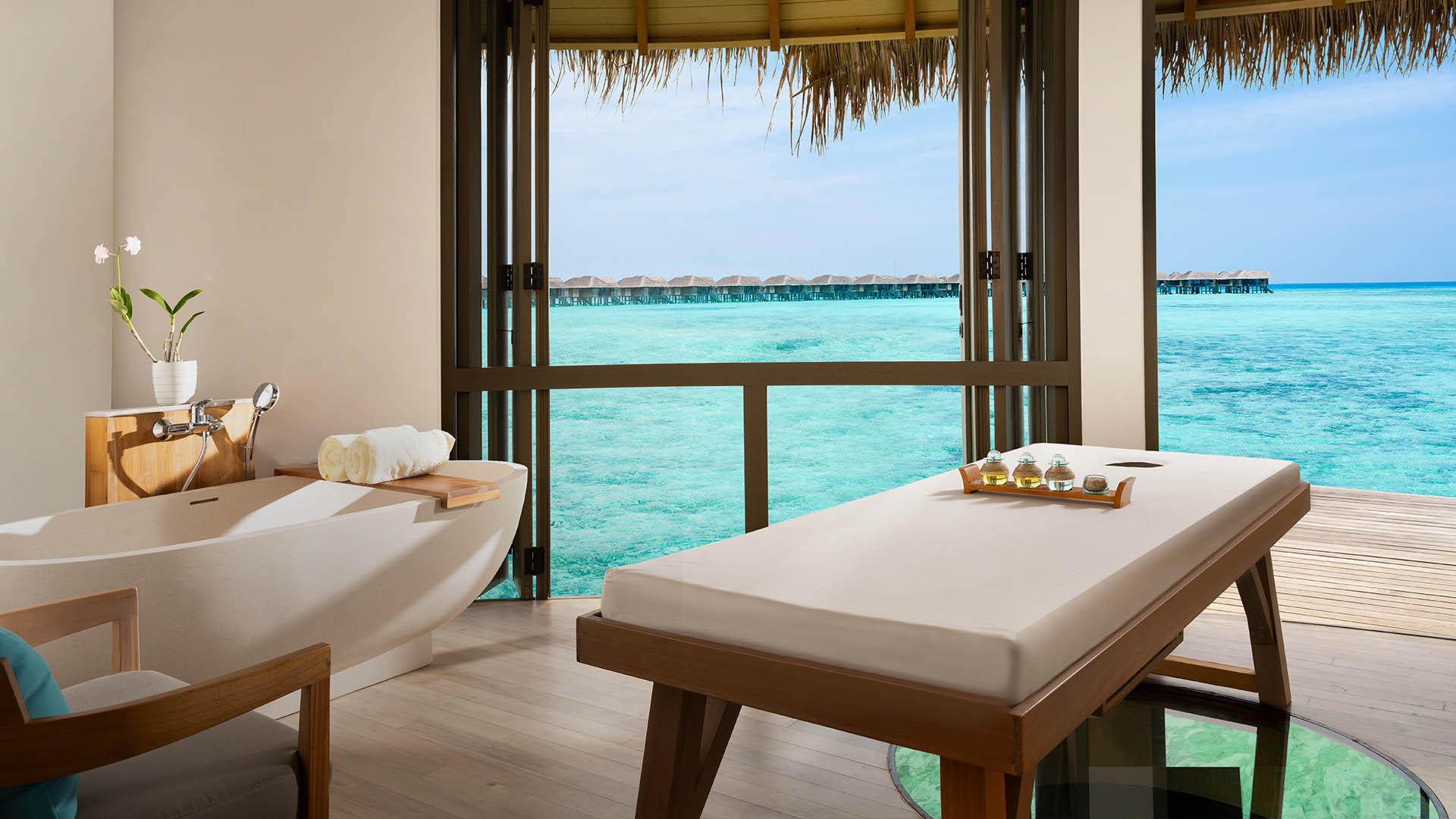 Vakkaru Maldives - Over water Spa