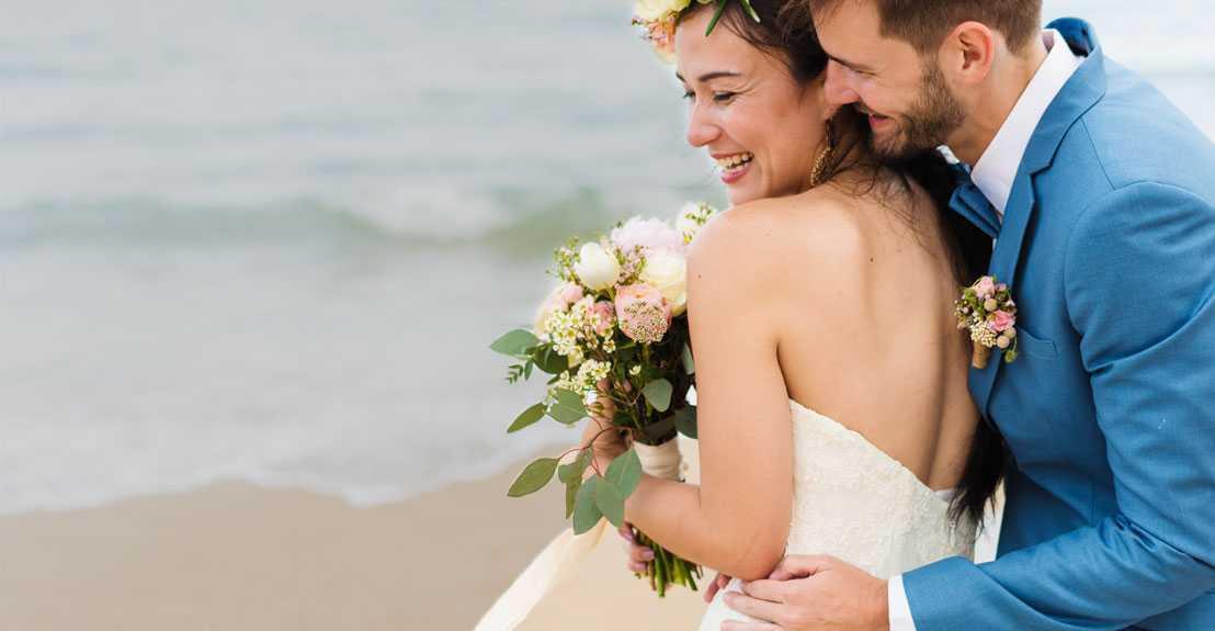 Vakkaru Maldives - Happy Bride and Groom